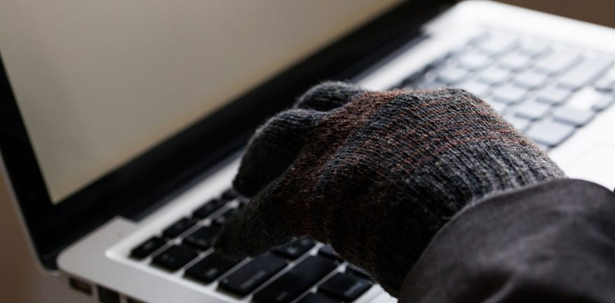 Hackers are using laptops to steal cars.