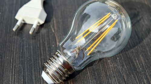 Picture of a clear lightbulb